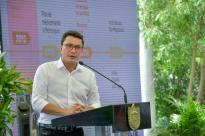 Gobernador Carlos Caicedo regresó a Colombia
