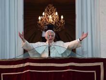'No soy más pontífice, soy un peregrino': Ratzinger en Castel Gandolfo