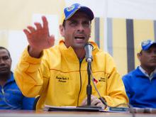 Capriles dice que un sector chavista quiere hacer un 'autogolpe'