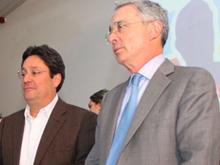 'Usted y yo somos un equipo que nadie va a romper': Pacho a Uribe