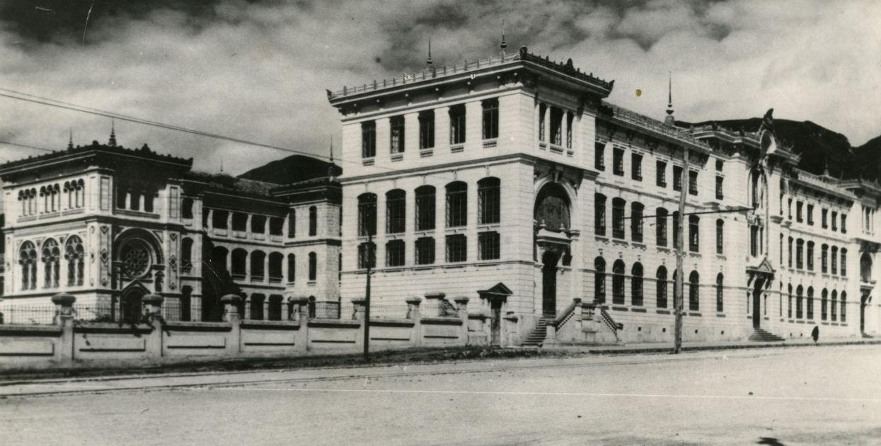 Fotos las joyas desaparecidas de la arquitectura bogotana for Arquitecto universidad