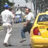 Dos conductores bloquean la v�a en un caso de intolerancia