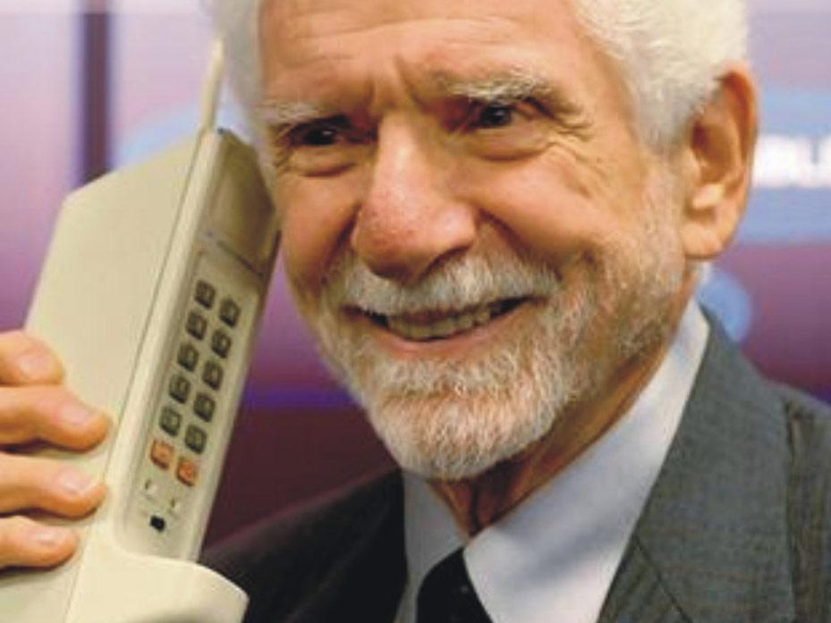 TIEMPO REAL / Hoy se cumplen 40 a�os de la primera llamada celular