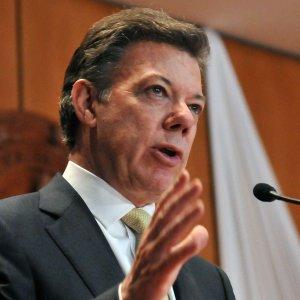 Declaraciones de Enrique Santos no comprometen al Gobierno: Santos