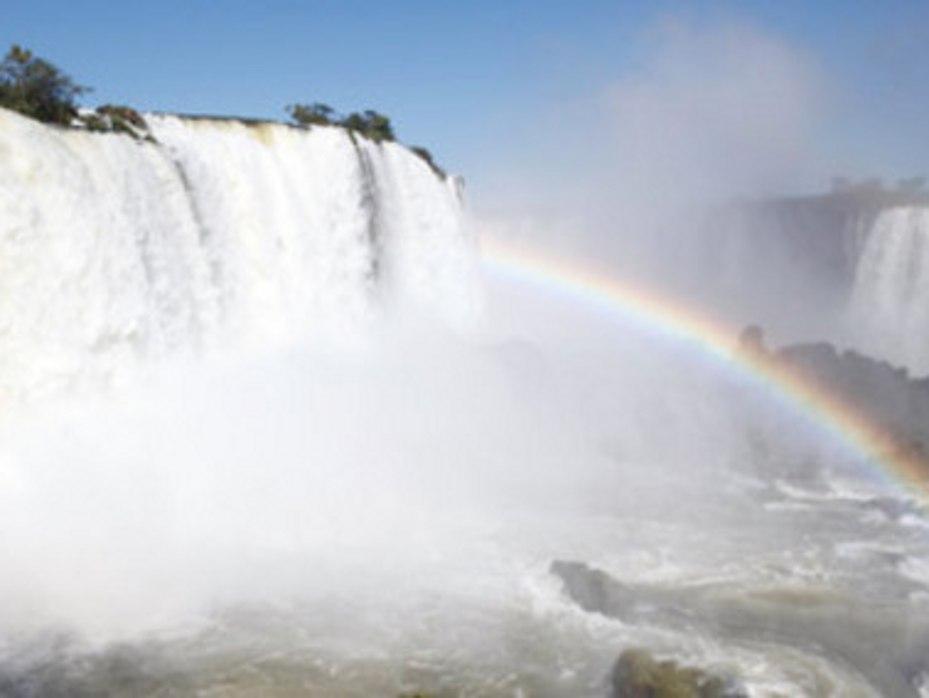 Revista Viajar: Empapados de Iguazú