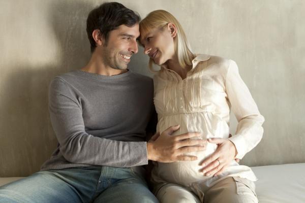 síntomas hombre embarazo