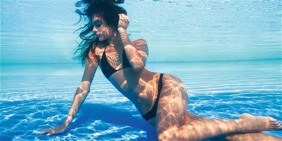 Daniella Bifolco bajo el agua