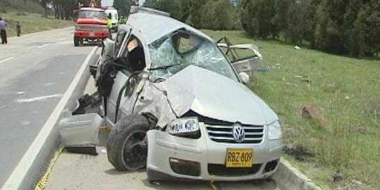 Cinco personas muertas tras accidente de tránsito en la vía a Melgar