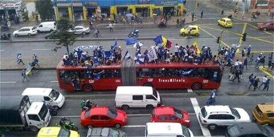 'Hinchas de Millonarios secuestraron bus de Transmilenio':  Alcaldía