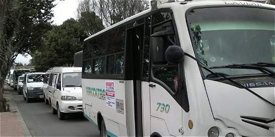 Empresas de transporte escolar realizaron un plantón