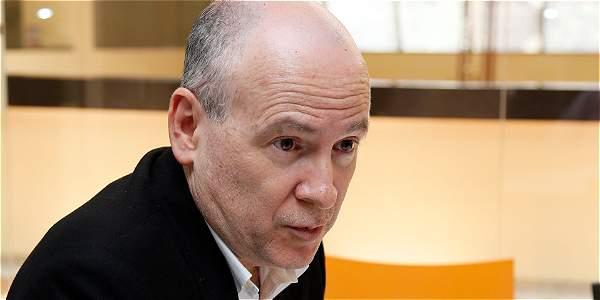 'Petro bajó la guardia en la lucha contra la corrupción': De Roux