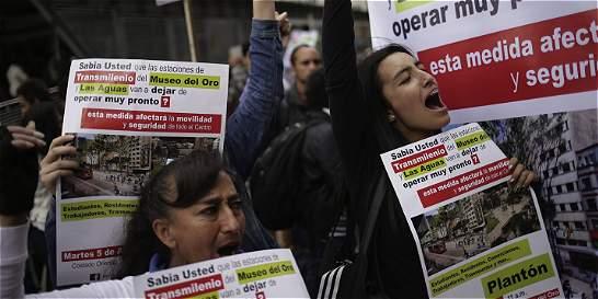 Ciudadanos se quejan por salida de ruta de TransMilenio en el centro
