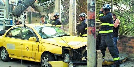 Polémica: ¿quién debe pagar seguridad social de conductores de taxi?
