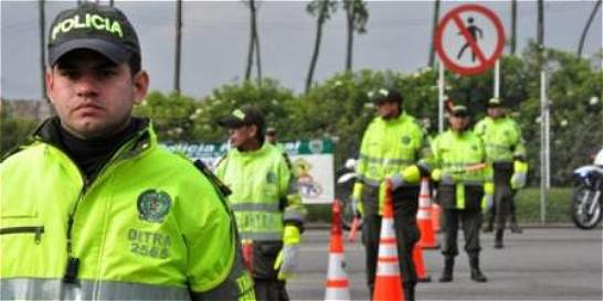 '240 mil automotores saldrán este puente festivo de Bogotá': Policía