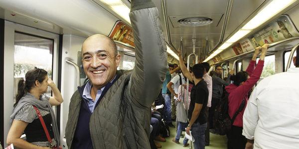 Carlos Mario Montoya, en el metro de Medellín.