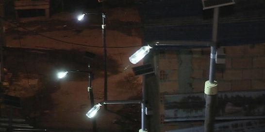 El Mirador, un barrio de Bogotá donde la luz solar llega en botellas