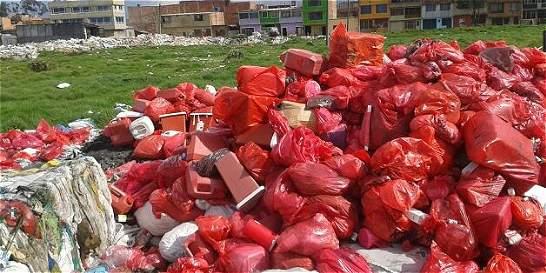 Descubren botadero clandestino de residuos hospitalarios en Bogotá
