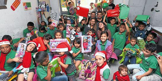 En Patio Bonito, sur de Bogotá, 70 niños recibieron regalos de Navidad