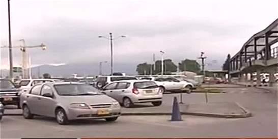 Ponen límites a cobro de parqueadero en centros comerciales