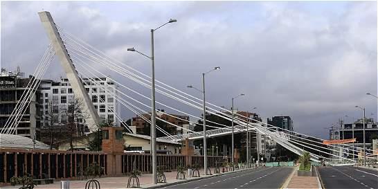 'Necesitamos abrir carrera 11 pronto': Distrito, tras caída de puente
