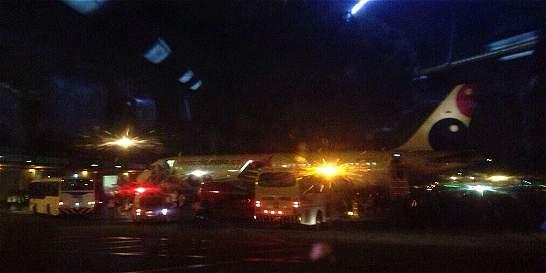 15 minutos de angustia a bordo de un avión en emergencia