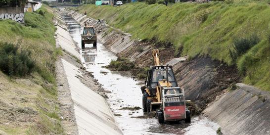 Cuatro entidades de Bogotá serán encargadas de asear los canales