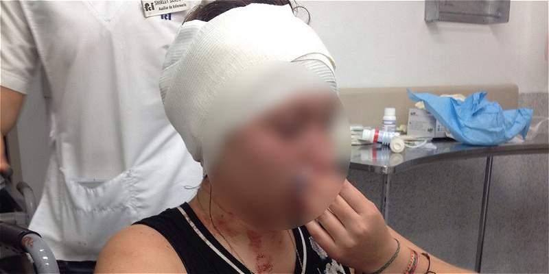 Pasajera denuncia que taxista le rompió la cabeza con una piedra