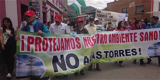 Tabio protestó contra torres de energía sobre cuenca del río Bogotá