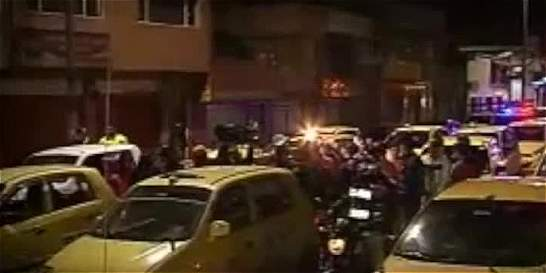 Taxista golpeó brutalmente a una patrullera de Policía