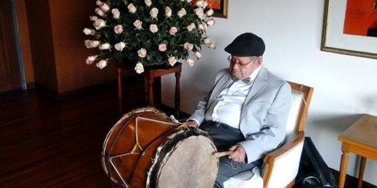 El abuelo que a los 105 años es hombre orquesta