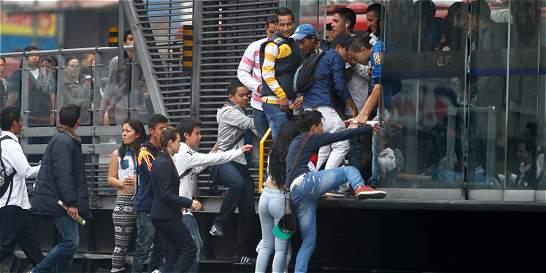 En solo cinco días, multas a 590 personas por colarse en TransMilenio