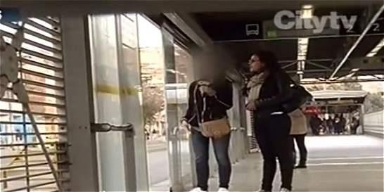 Nuevo caso de maltrato contra mujeres en TransMilenio