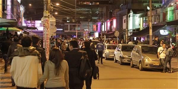 Denuncian que ahora los 'paseos millonarios' los hacen a pie en Bogotá