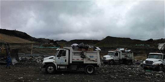 'Hay represalias por denunciar uso de volquetas en aseo': trabajadores