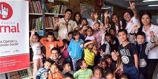 Fundación entrega biblioteca a niños de Suba