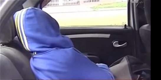 Pasajera de taxi fue robada mientras dormía