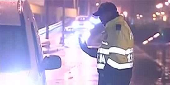 Taxista en presunto estado de embriaguez atropelló a un policía