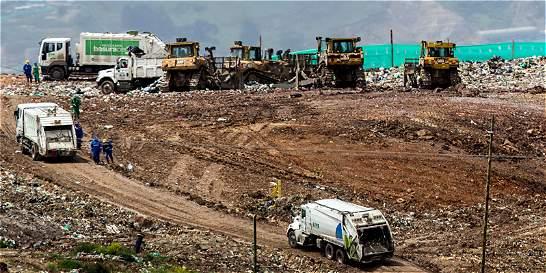 ¿Por qué se demoró la recolección y Bogotá se represó de basuras?