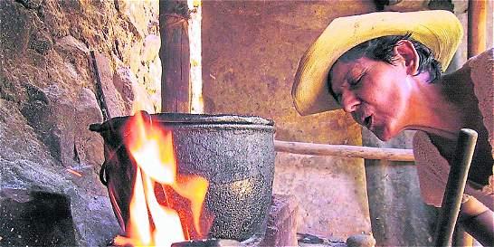 La tradición de cocinar con fuego de leña se está apagando