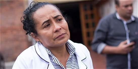 'Mi esposo murió por la falta de atención'