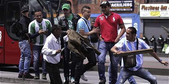 La Policía también sufre los efectos de las peleas callejeras