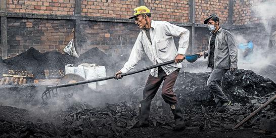La encrucijada de los carboneros artesanales de Bogotá