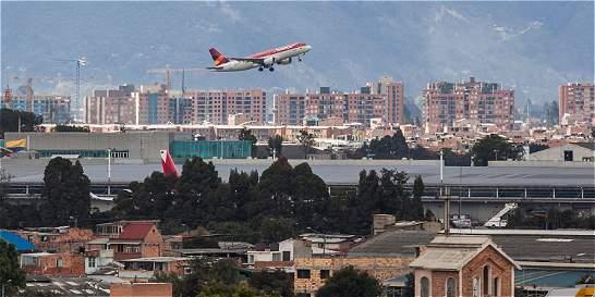 'El ruido que causan los aviones nos va a dejar sordos'