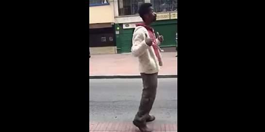 El hombre que se hizo viral por acusar de racismo a policías en Bogotá