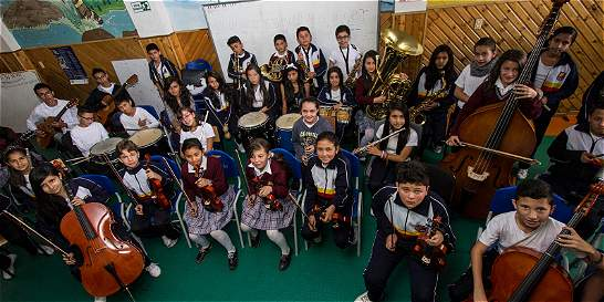 El colegio de Suba que educa entre sinfonías