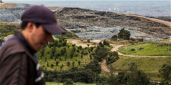 Declaran emergencia sanitaria por derrumbe en Doña Juana