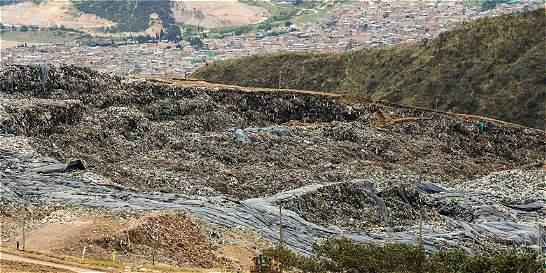 Vecinos de relleno Doña Juana cuentan sus preocupaciones tras derrumbe