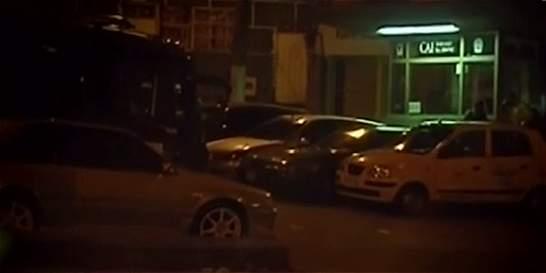 Policías cobraban por parqueadero frente a un CAI