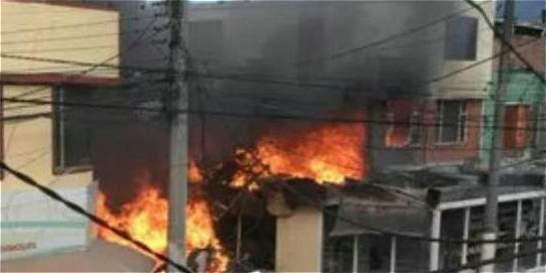 Vea los videos del momento exacto de la caída de la avioneta en Bogotá