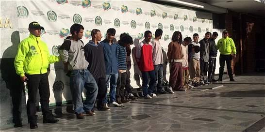 Estos son los ladrones de espejos que azotaban el centro de Bogotá